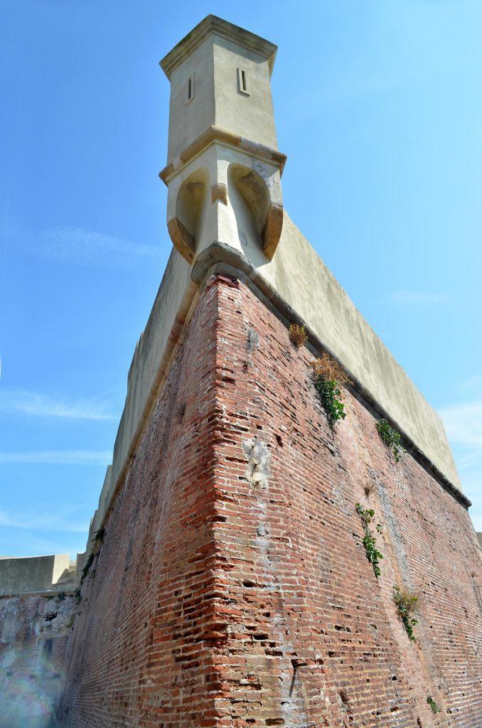Veduta della Garitta del Forte Falcone vista dal Bastione del Cavaliere
